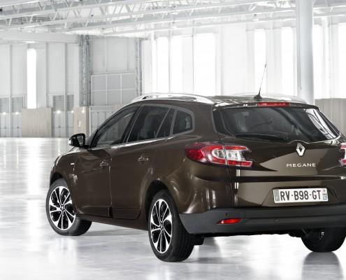 12267-Renault_50514_global_fr