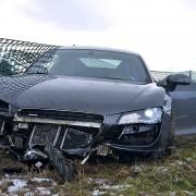 Audi-R8-gecrasht-1200x800-3351bc5c63431bb0