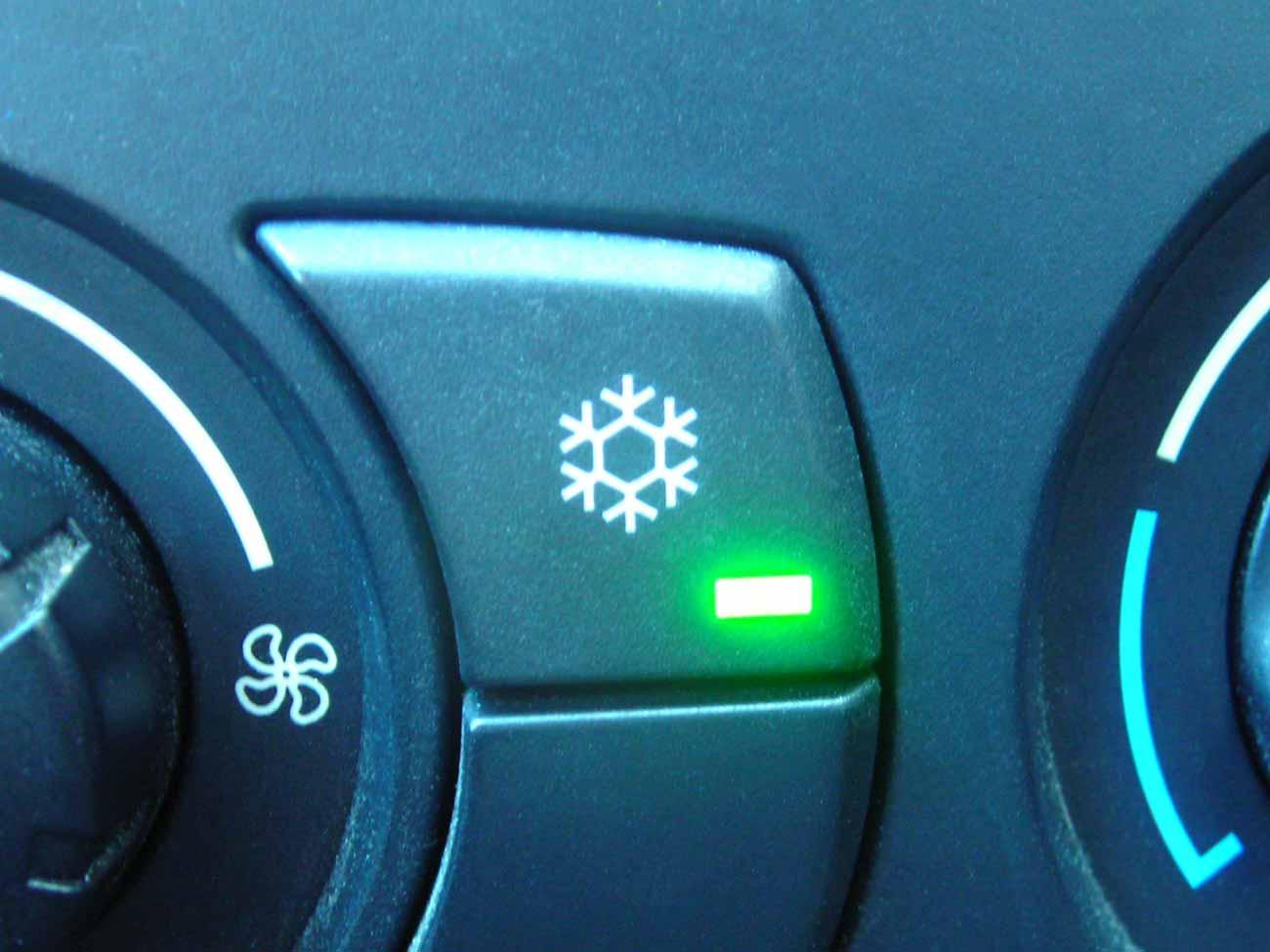 wissen wie funktioniert die klimaanlage im auto. Black Bedroom Furniture Sets. Home Design Ideas