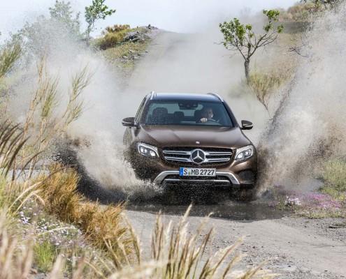 Mercedes_GLC_2015_wasser_offroad