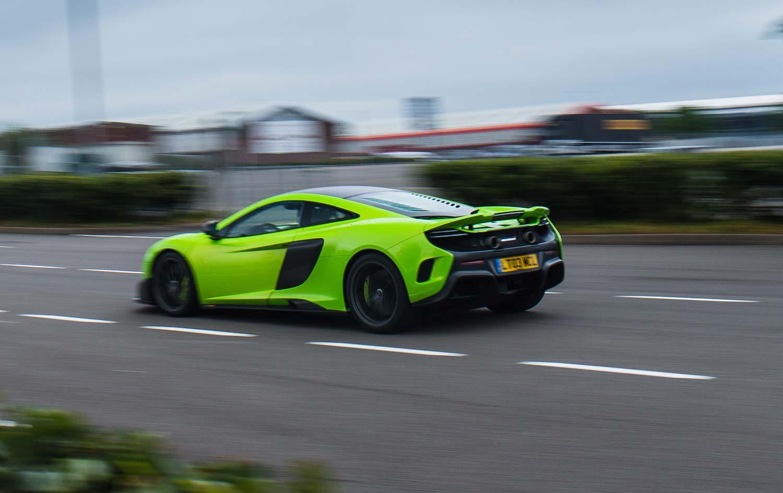 McLaren_675_LT_Heck_Seite