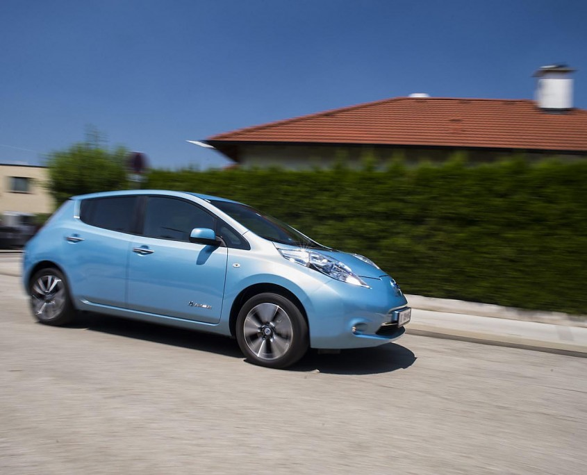 Nissan Leaf in Fahrt