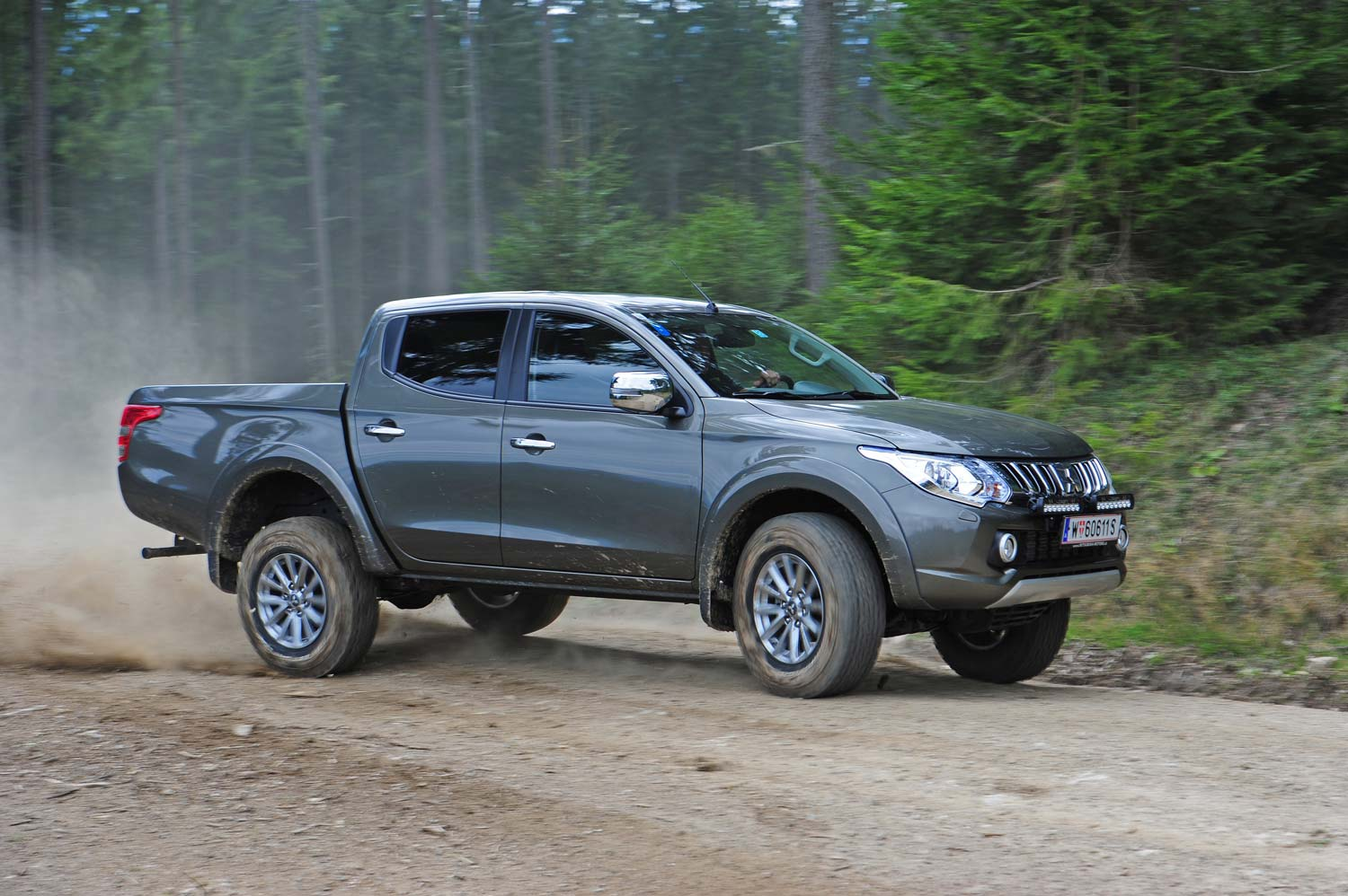 Mitsubishi L200 2015.html | Autos Post