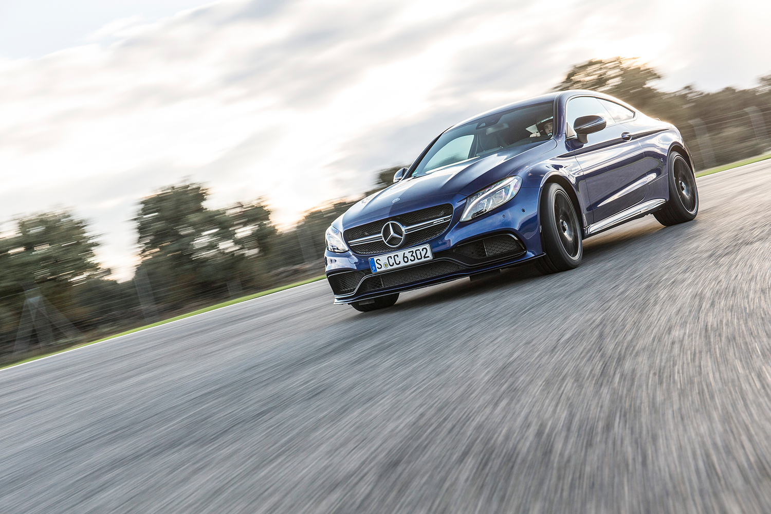 Mercedes-AMG C 63 S Front seitlich links