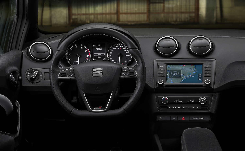 Seat Ibiza Cupra Innenraum Armaturenbrett Touchdisplay Cockpit