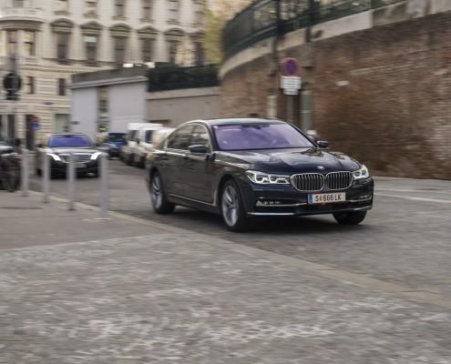 BMW 750i_61