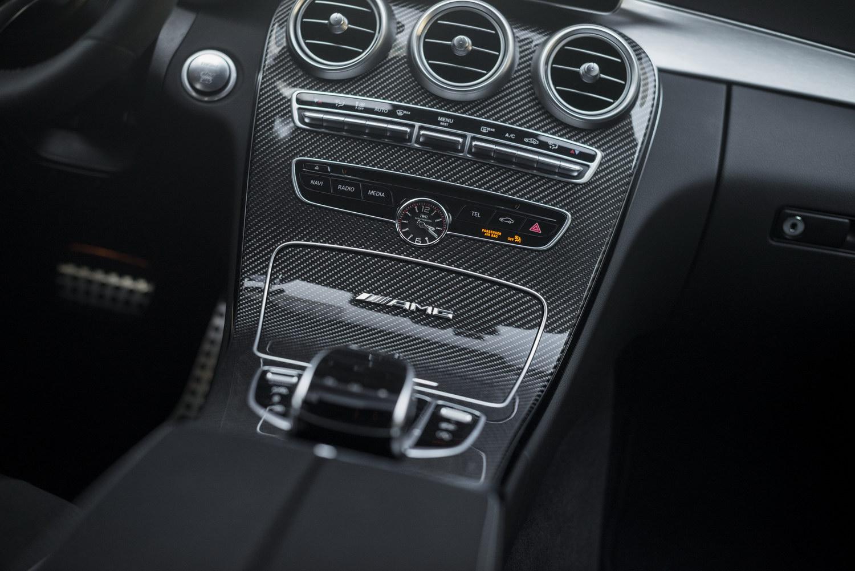 Mercedes-Benz C63 AMG S Mittelkonsole Innen