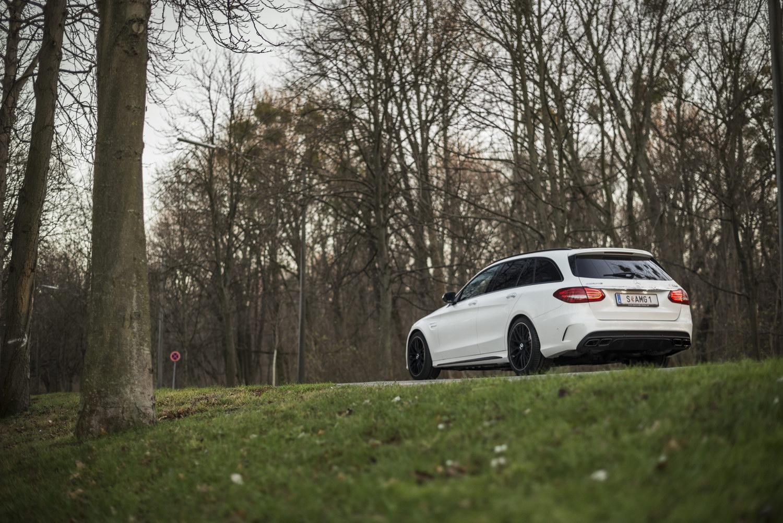 Mercedes-Benz C63 AMG S Heck Seite Auspuff Heckleuchten