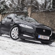 Jaguar XF 2,0 D E-Performance_1