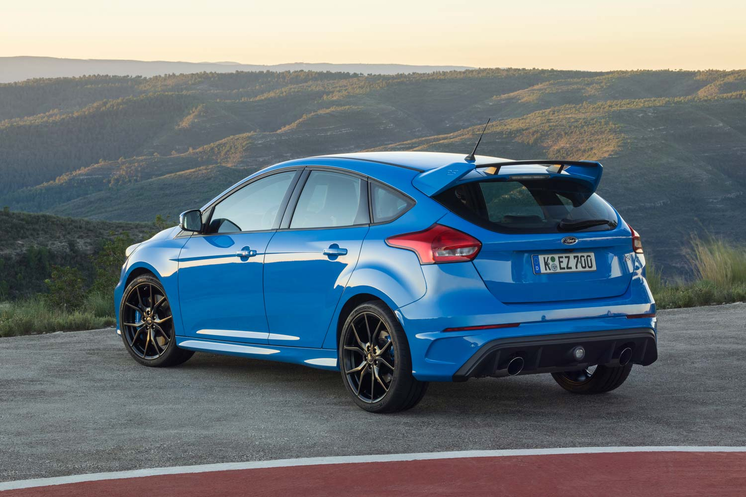 ford focus rs the stigs choice motorblock. Black Bedroom Furniture Sets. Home Design Ideas