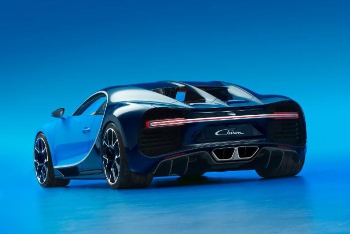 Bugatti Chiron Heck Heckleuchten Auspuff Felgen Licht Diffusor