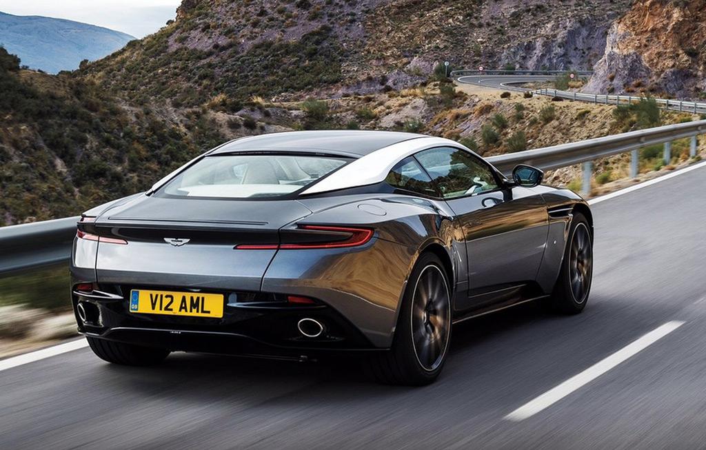 Aston Martin DB11 Heck Heckleuchten Auspuff Kofferraum Felgen