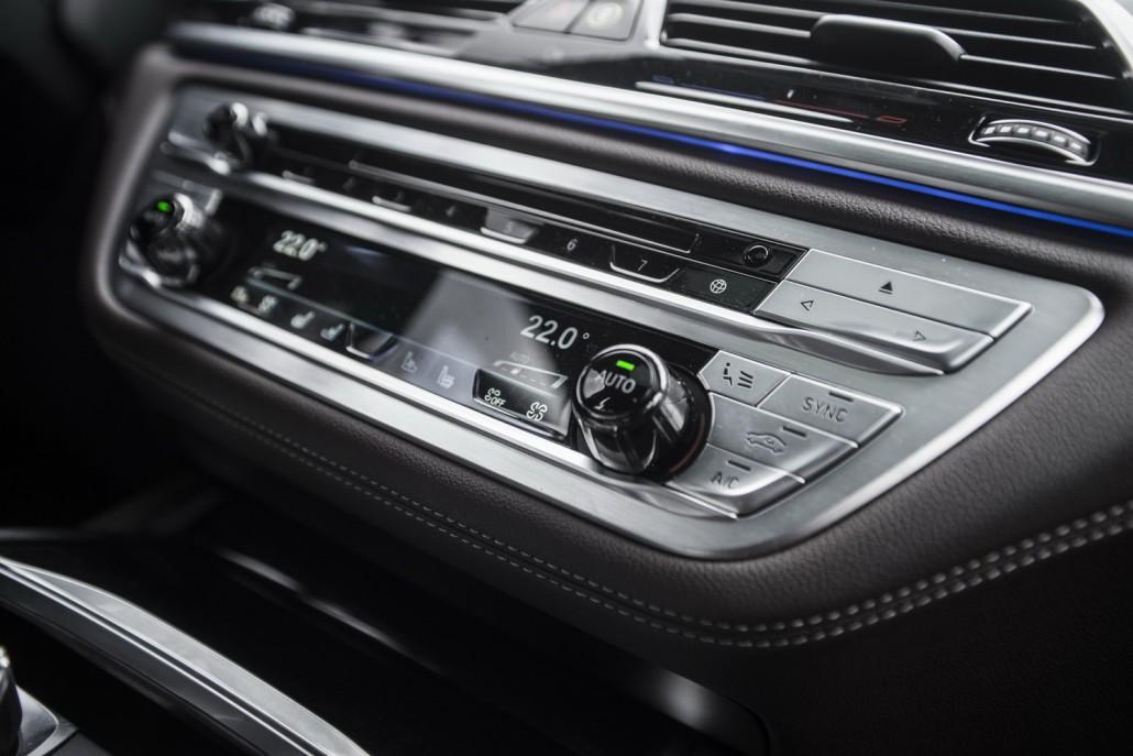 BMW 730d_mittelkonsole