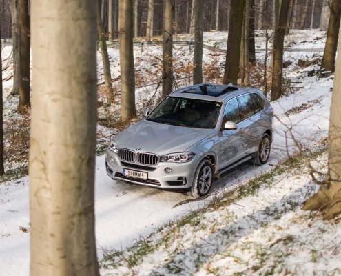 BMW-X5-xDrive40e_seite_linie_design_motorhaube