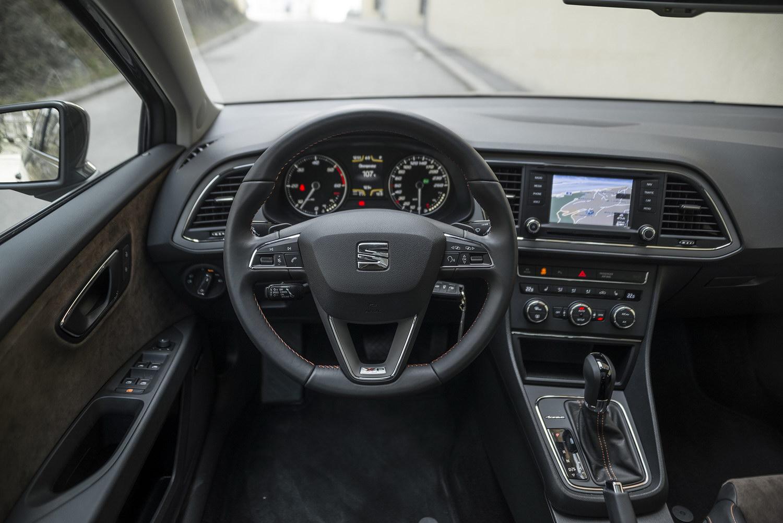 Einsteigen seat leon x perience dauertest motorblock - Seat leon interior ...