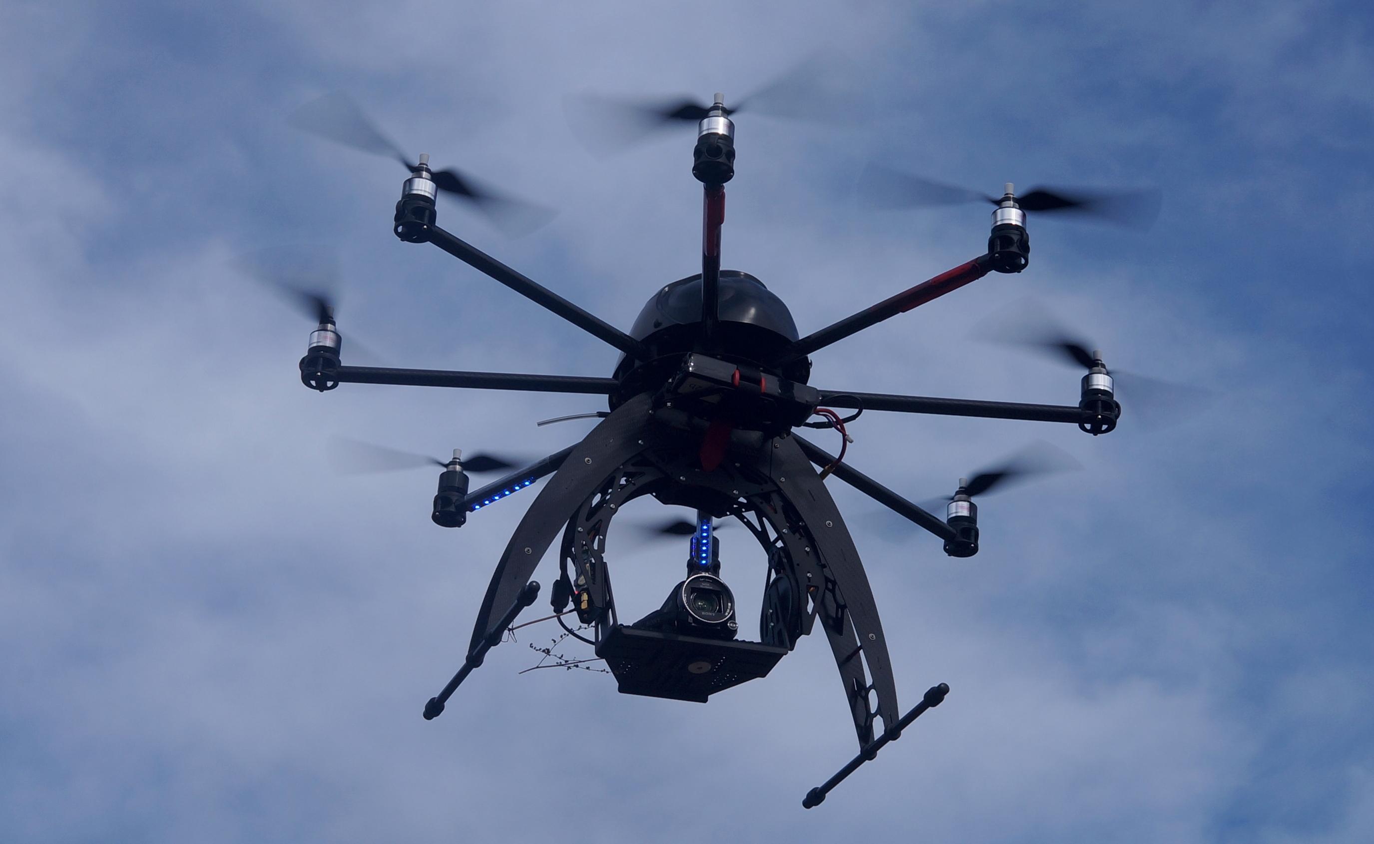 drohnen kaufen von quadrocopter bis hexacopter. Black Bedroom Furniture Sets. Home Design Ideas