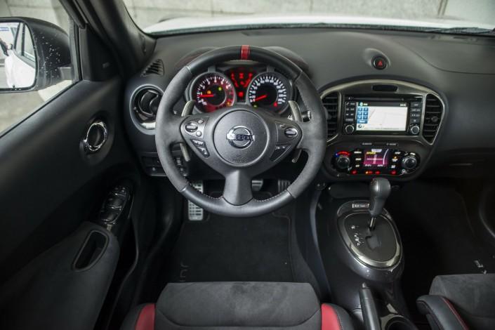 Nissan juke nismo rs motorblock for Nissan juke innenraum
