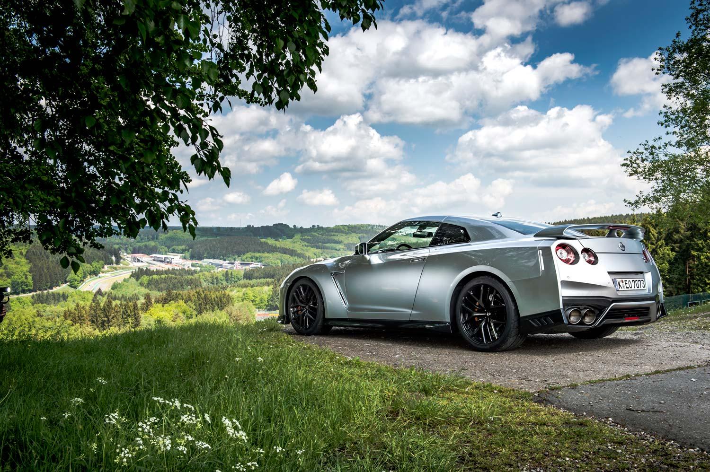 Nissan Gt R Grown Up Godzilla Motorblock