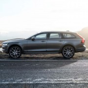 Volvo-V90-Cross-Country-seite-felge-bremse-design
