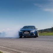 Audi-RS6_drift-xdefxx