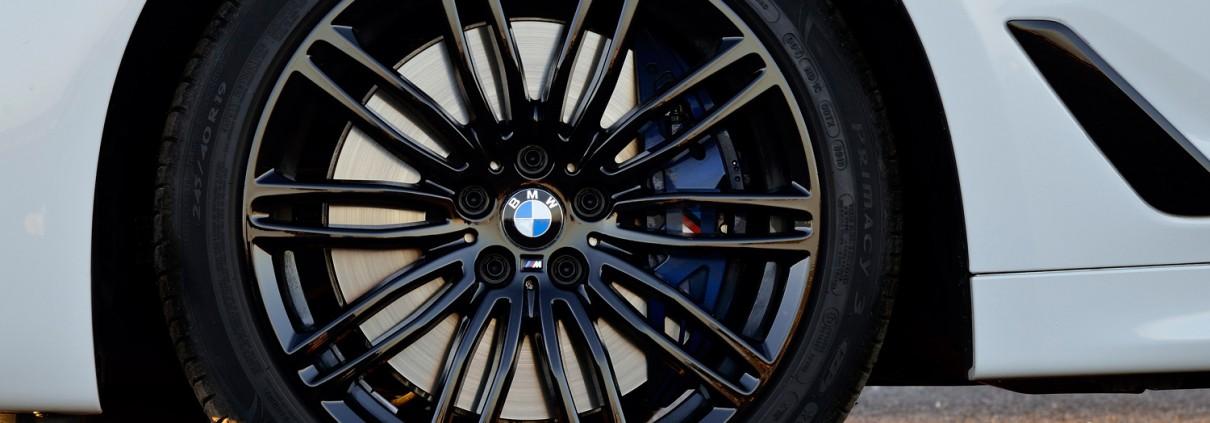 BMW_540i_Felge_Bremse_Reifen
