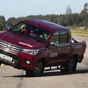 ToyotaHiluxElchtest