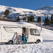 Hymer auf Basis Mercedes-Benz Sprinter 4x4 – Wintercamping;  Hymer on Mercedes-Benz Sprinter 4x4 base – Winter camping