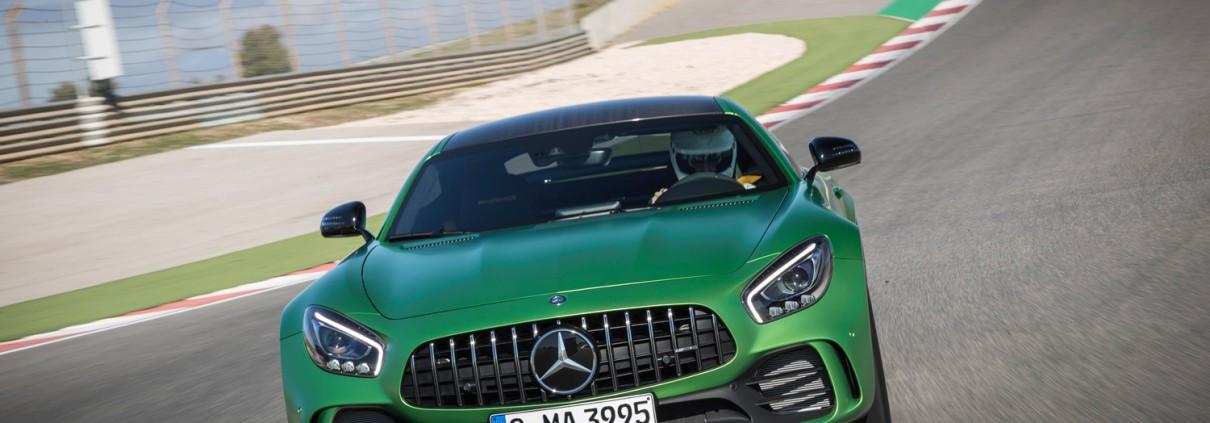 Mercedes-AMG-GT-R-Front-Kuehlergrill-Lufteinlass-Rennstrecke