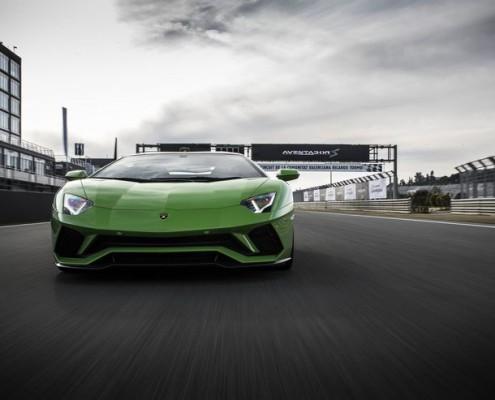 Lamborghini-Aventador-S-21