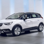 New Opel Crossland X: Crisp and compact on the outside, very spacious and versatile on the inside with trendy two-tone paintwork and a cool SUV look.