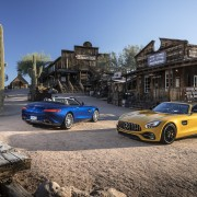 Mercedes-AMG GT-C Roadster & Mercedes-AMG GT Roadster Fahrveranstaltung Phoenix 2017  AMG solarbeam; Leder Exclusiv Nappa / Microfaser DINAMICA schwarz / graue Ziernähte.  Kraftstoffverbrauch kombiniert: 11,4 – 9,4 l/100 km CO2-Emissionen kombiniert: 259 - 219 g/km Fuel consumption combined: 11.4 – 9.4 l/100 km Combined CO2 emissions: 259 - 219 g/km   Mercedes-AMG GT-C Roadster & Mercedes-AMG GT Roadster Press Test Drive Phoenix 2017  AMG solarbeam; Exclusive Nappa leather / DINAMICA microfiber black / grey topstiching  Kraftstoffverbrauch kombiniert: 11,4 – 9,4 l/100 km CO2-Emissionen kombiniert: 259 - 219 g/km Fuel consumption combined: 11.4 – 9.4 l/100 km Combined CO2 emissions: 259 - 219 g/km   Mercedes-AMG GT Roadster Fahrveranstaltung Phoenix 2017 brillantblau metalic; Leder Exclusiv Nappa STYLE macchiatobeige/schwarz  Mercedes-AMG GT Roadster Press Test Drive Phoenix 2017 brilliant blue metallic; STYLE Exclusive nappa leather macchiato beige/black  Kraftstoffverbrauch kombiniert: 11,4 – 9,4 l/100 km CO2-Emissionen kombiniert: 259 - 219 g/km Fuel consumption combined: 11.4 – 9.4 l/100 km Combined CO2 emissions: 259 - 219 g/km