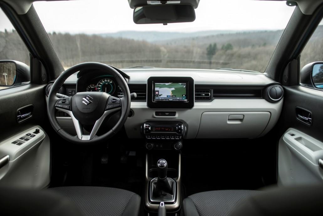 Gut Unterhalten Ist Man Mit Dem Suzuki Ignis Auf Jeden Fall Ganz Egal Ob Es Um Freude Am Fahren Oder Detail Geht