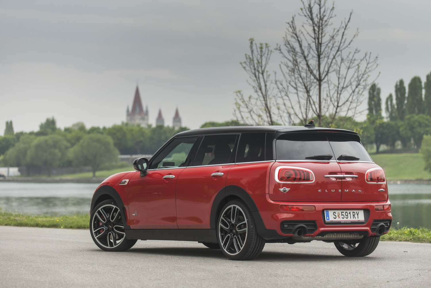 mini john cooper works clubman motorblock. Black Bedroom Furniture Sets. Home Design Ideas