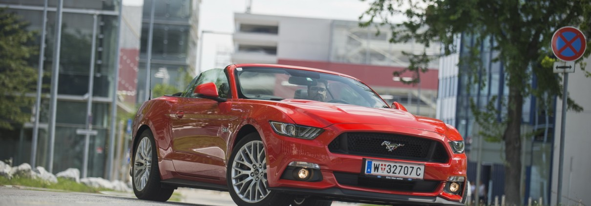 Ford Mustang V8 Convertible_07