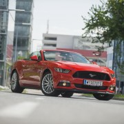 Ford Mustang V8 Convertible_07