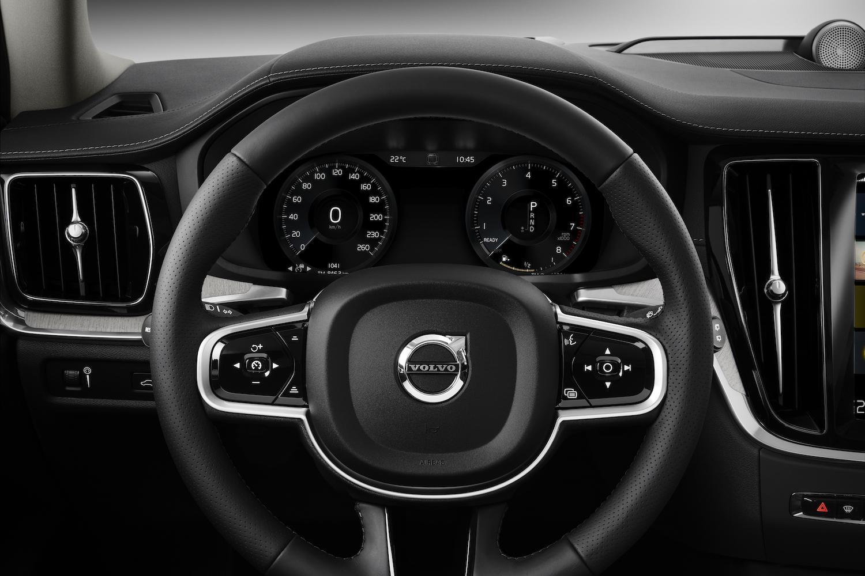 New V60 interior 02 - Motorblock