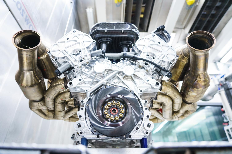 Fünf Zahlen Zum V12 Motor Der Aston Martin Valkyrie
